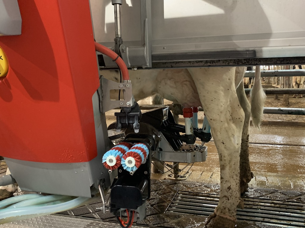 Horsens Homstead Farms opened up the milking stations for visitors to come and see at the open house on April 24. Co-manager Ryan Horsens described the new robot technology as modern agriculture.<br />Luke Reimer | NEW Media